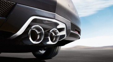 Dual-Center-Exhaust-Pipes-Cadillac-CTS-V-Coupe-2011